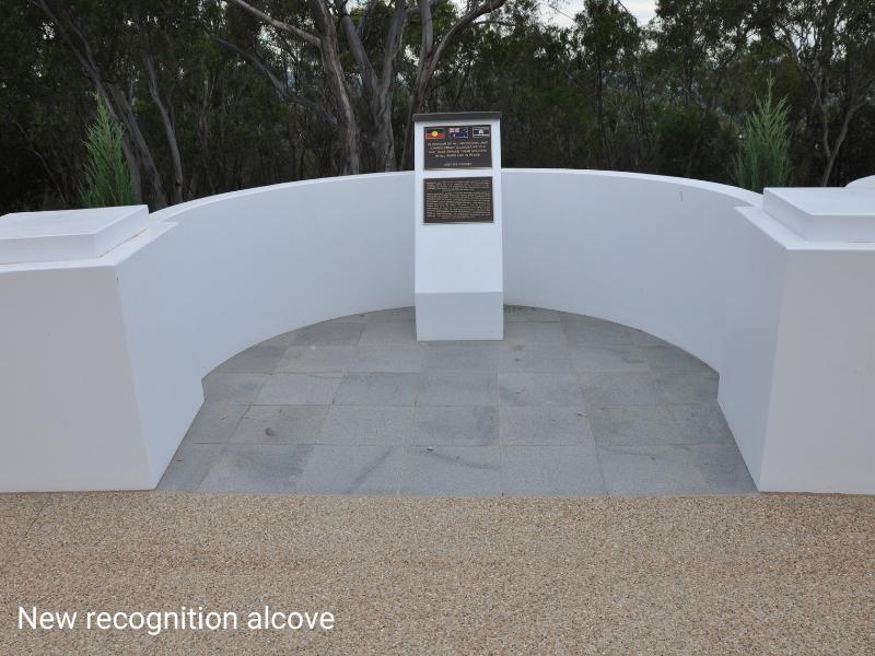 Monument alcove