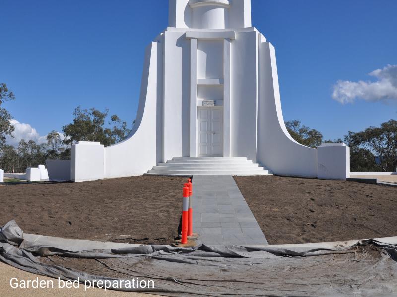 Monument 17-04b